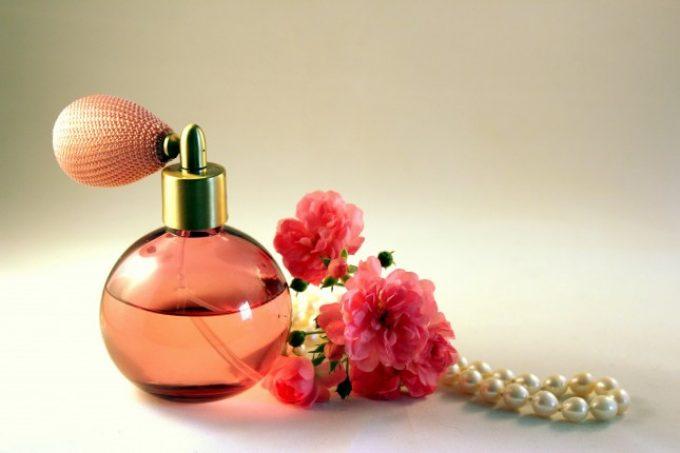 Как да си направим парфюм с ароматна канела